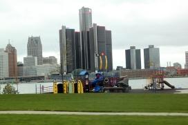 Spielplatz mit Blick auf Detroit